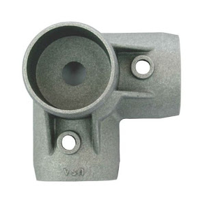 Bottom corner bracket for aluminum bed